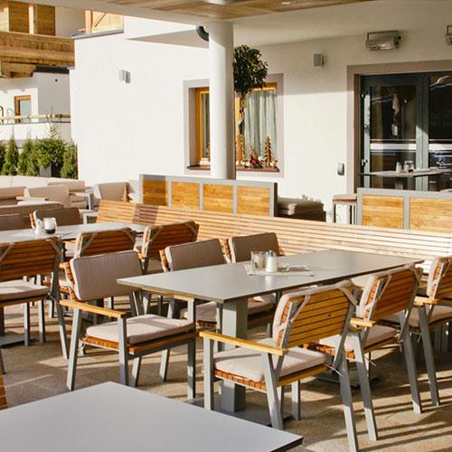 Terrassenmöbel aus Akazie